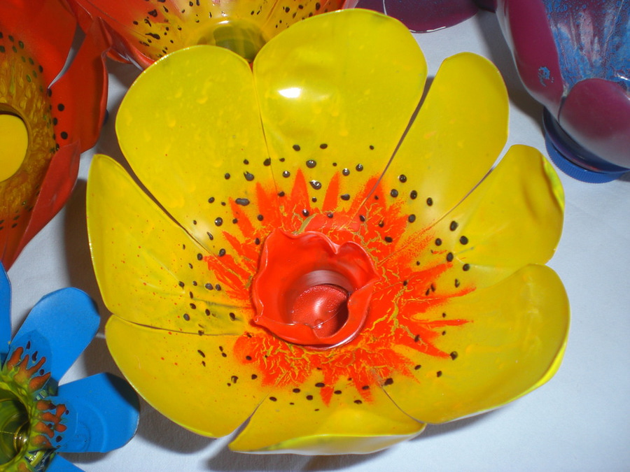 Plastic bottle crafts flowers