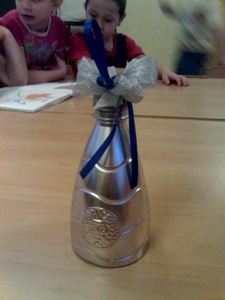 пластиковый колокольчик из бутылки