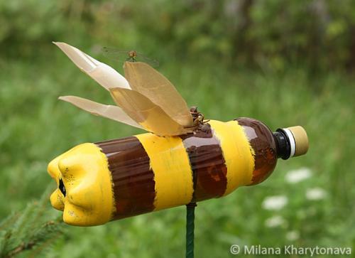 пчелка из бутылки пластиковой
