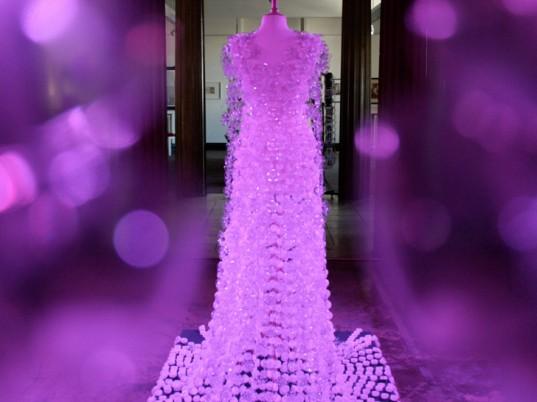 Платья из пластиковых бутылок своими руками