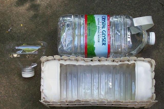 Что можно сделать с пятилитровых пластиковых бутылок