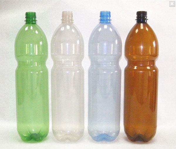 С пластиковых бутылок